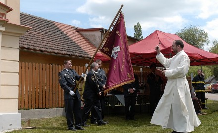 Přečtěte si, kterak ve Svojšovicích oslavili hasiči 65. výročí od založení sboru.