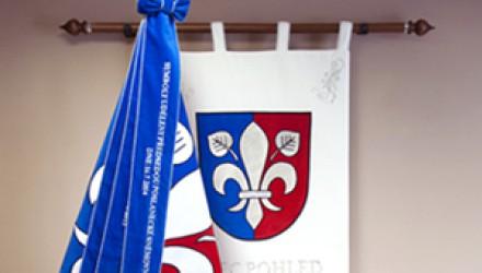 Vyšívané a tlačené vlajky, prápory, znaky a stuhy