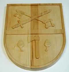 Vyrezávaný dreveny znak na zakázku