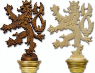 Ručne vyřezávaná hlavica k žrdi, motív českého leva