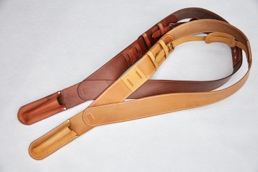 Kožené pásy pre vlajkonosičov