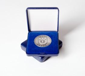 Ukážka zákazkovej výroby pamätných mincí v krabičke