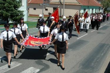 Požehnanie repliky hasičského práporu SDH Blučina