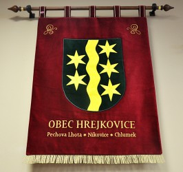 Vyšívaný veľký znak obce Hrejkovice