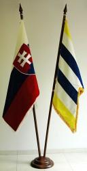 Vlajka mesta Púchov a štátna vlajka Slovenskej republiky