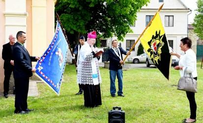 Požehnanie obecnej vlajky a hasičskej zástavy, obec Polepy