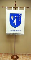 Vyšívaný znak obce Rozdrojovice vo veľkom prevedení