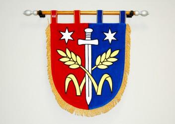 Vyšívaný znak v tvare štítu obce Třebovle
