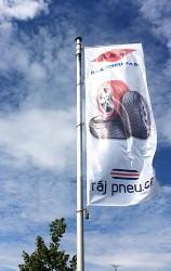 Zakázková výroba venkovních firemních vlajek