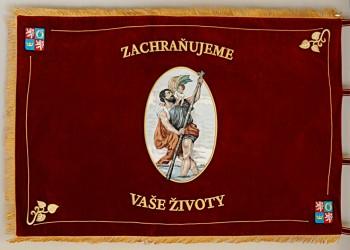 Slavnostní vyšívaný prapor pro zdravotnickou záchrannou službu Královéhradeckého kraje