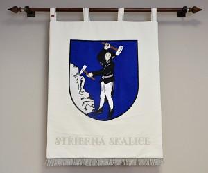 Slavnostní znak obce Stříbrná Skalice