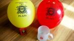 Balónky, hrnky se znakem hasičského sboru