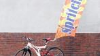 Bike flag - vlajka s poutačem na jízdní kolo