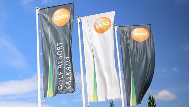 Venkovní tištěné vlajky a stožáry pro golfové kluby